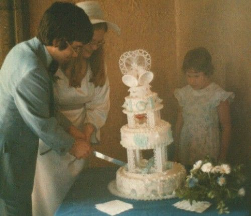 Jim and Laurie Mann, Heidi Hazen and the Cake