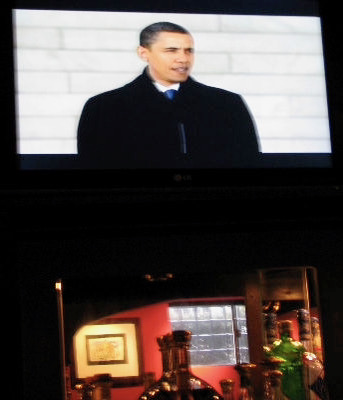 President-elect Barack Obama Addresses the Crowd During the Inaugural Concert