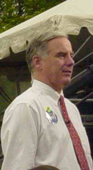 Howard Dean at a women's rights rally, April 2004